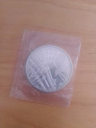 moneda 2000 pesetas. plata.