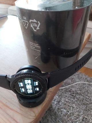 Vendo o permuto Smarwhacht Samsung S3 Gear