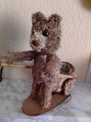 figura oso con carretilla para decoración