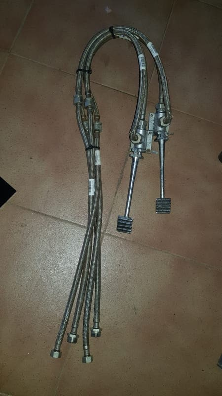 grifo pedales con latiguillos