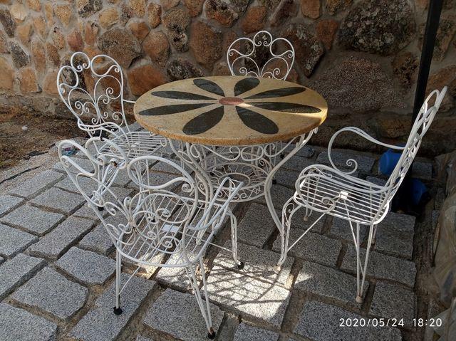 Mesa de Jardín con 4 sillas