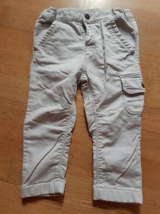 679. pantalones 24 meses