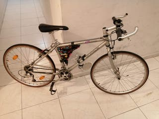 Bicicleta para carretera o paseo.