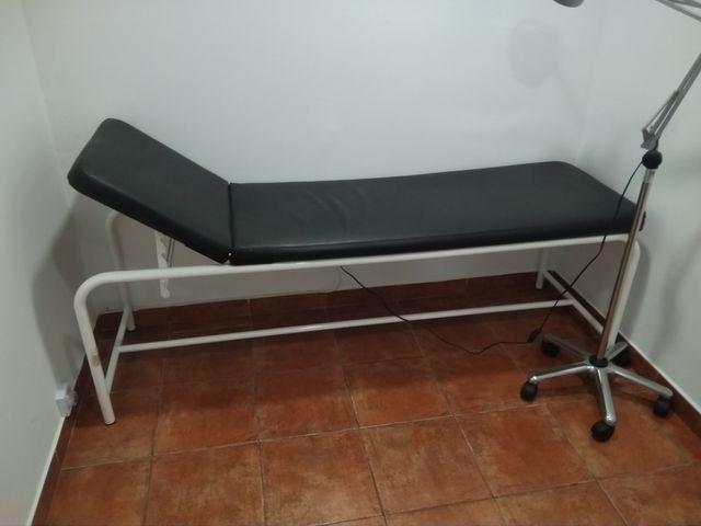 Camilla dos cuerpos fisioterapia