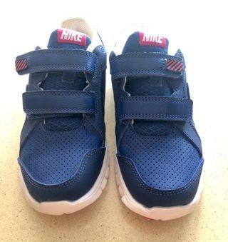 Zapatillas Nike niña talla 28.5 sin estrenar