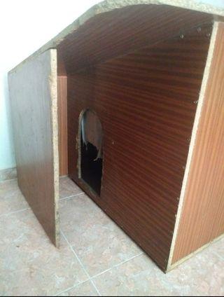 Casa / caseta de madera para perro