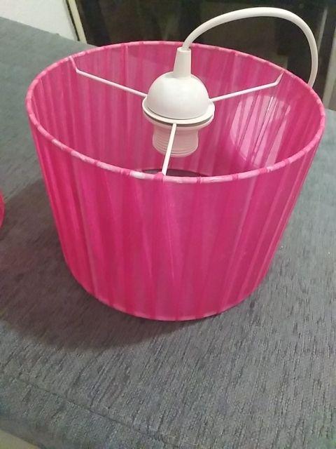 conjunto de lampara de techo rosa