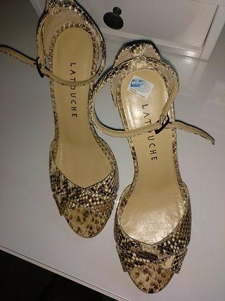 Sandalias en piel