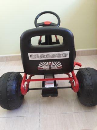 Kart infantil pedales