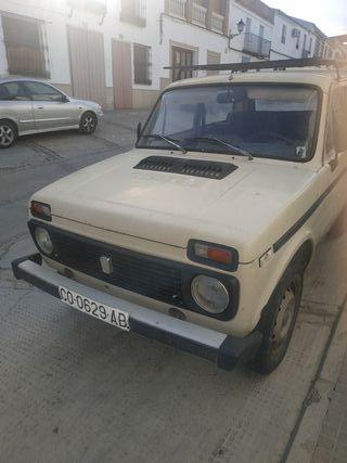 Lada Niva 2001