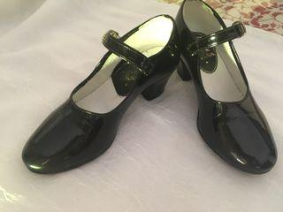 Zapatos gitana niña talla 30