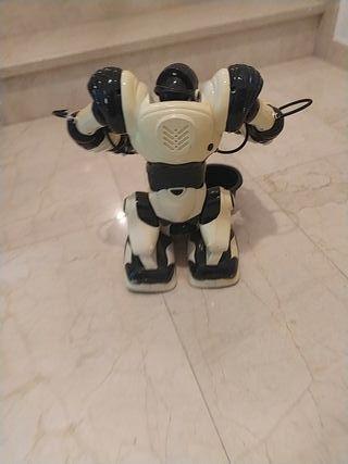 Muñeco Robot Programable.