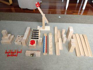 Circuito de madera de canicas