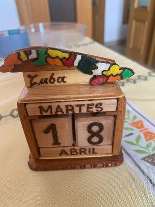 Calendari o perpetuo de madera de Adorno