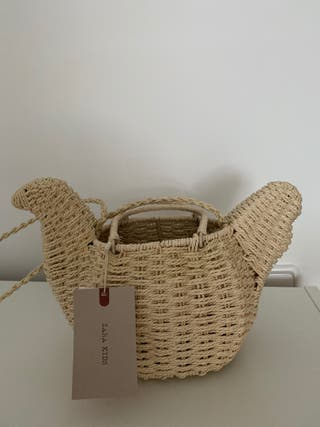 Bolso gallina mimbre Zara