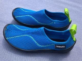 Zapatillas agua niño / Escarpines (Talla 28-29)