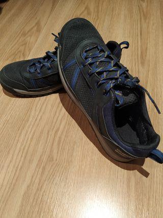 Zapatillas waterproof senderismo QUECHUA