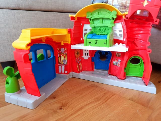 mickey mouse fire house