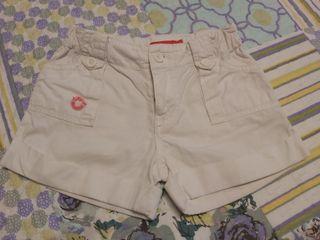 Pantalones cortos niña. Talla 3 años.
