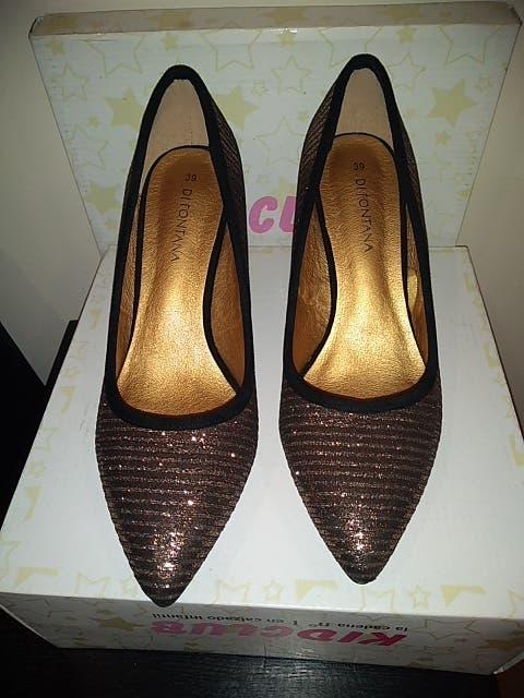 zapato fiesta dorado