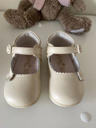 137 merceditas bebé