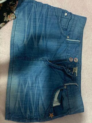 Falda +pantalones cortos 5e las dos cosas