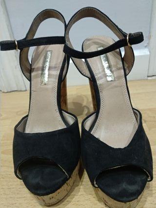 Sandalia alta de verano color negro