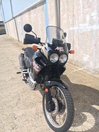 HONDA AFRICA TWIN 750