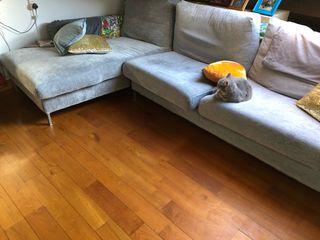 Sofá gris de alta calidad