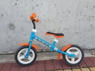 """Bicicleta sin pedales de """"Aviones"""""""