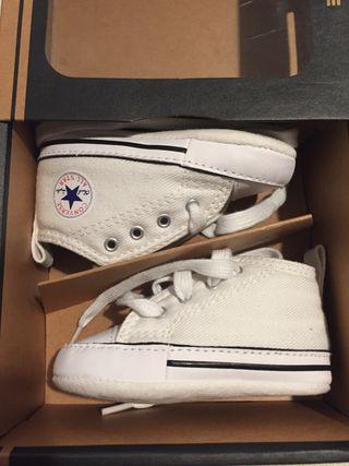 Zapatillas Converse bebe Chuck Taylor blancas