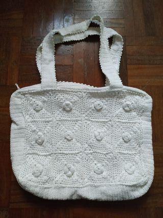Bolso blanco crochet hecho a mano
