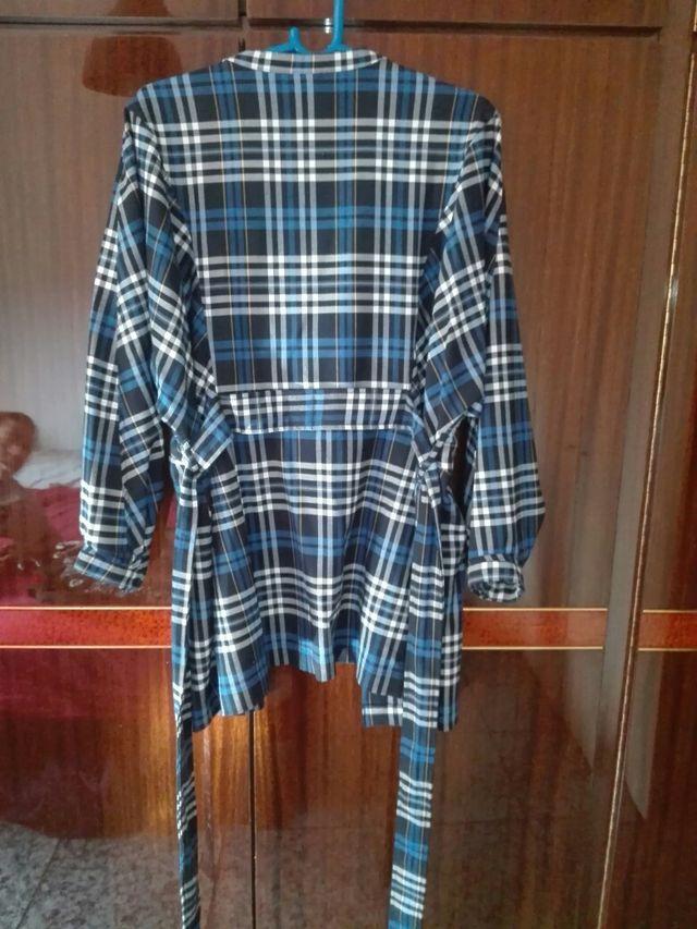 Traje conjunto de camisa y pantalon
