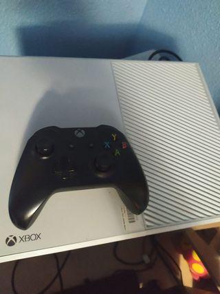 Xbox one + mando inalámbrico + juego fifa2020