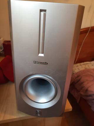 alto parlante sub marca Panasonic