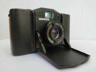 Minox EL camera analógica