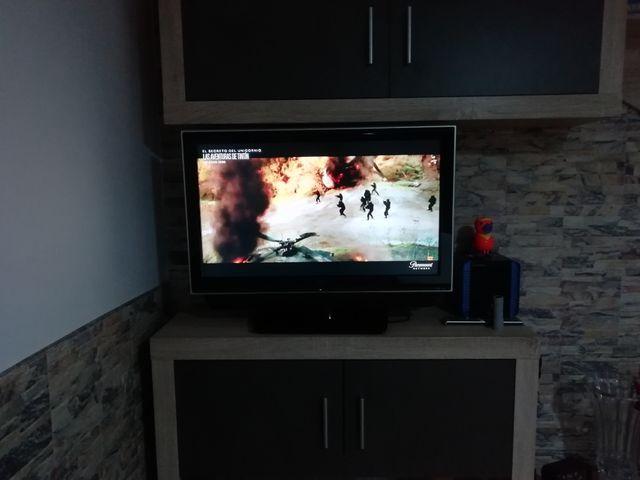 VENDO TELEVISOR DE 32 PULGADAS.