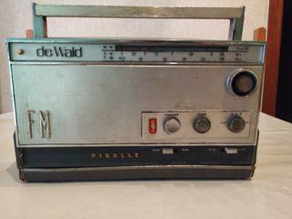Radio antigua Pigalle. No funciona