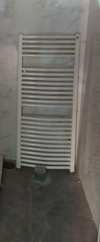 Radiador toallero seminuevo 120x50