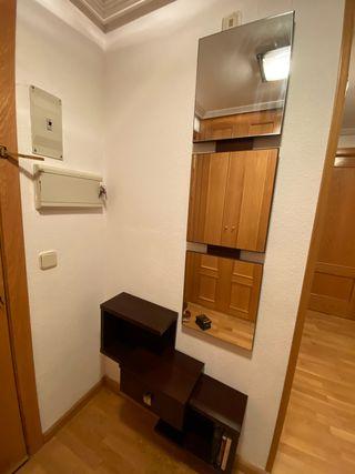 Entrada distribuidor madera 3 espejos+cajón.