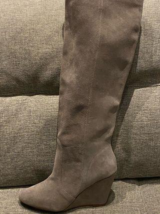 Botas de ante gris sin estrenar de Zara