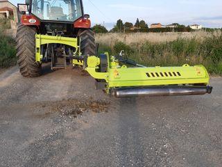 Trituradora lateral 220 Niubo para hierba y rama