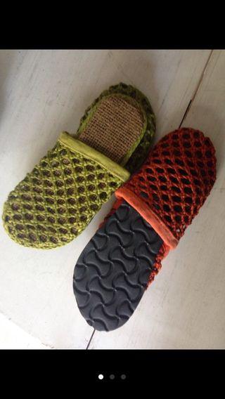 Zuecos tallas 35/ 44 Rafia Indonesia