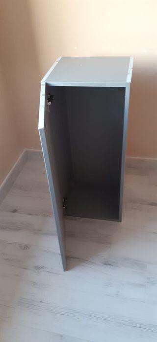 Mueble auxiliar gris