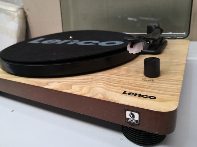 Tocadiscos LENCO LS-50WD Color Madera