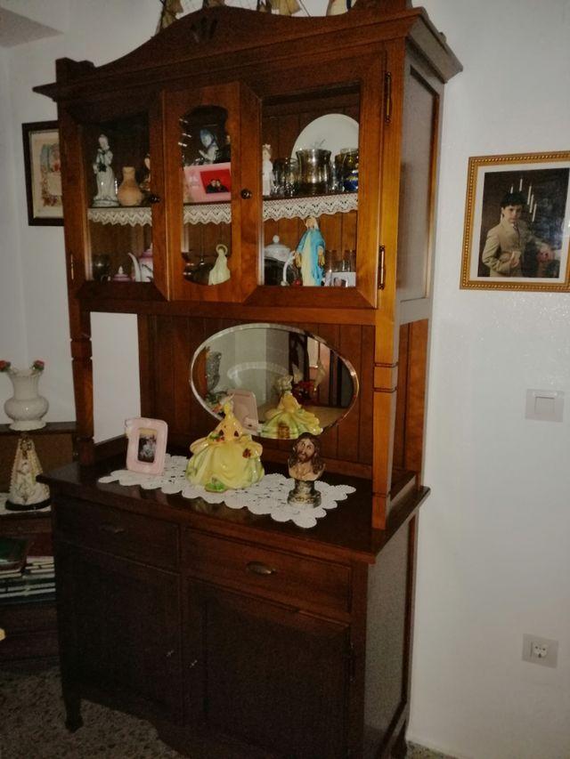 vendo mueble de salón de madera esta nuevo