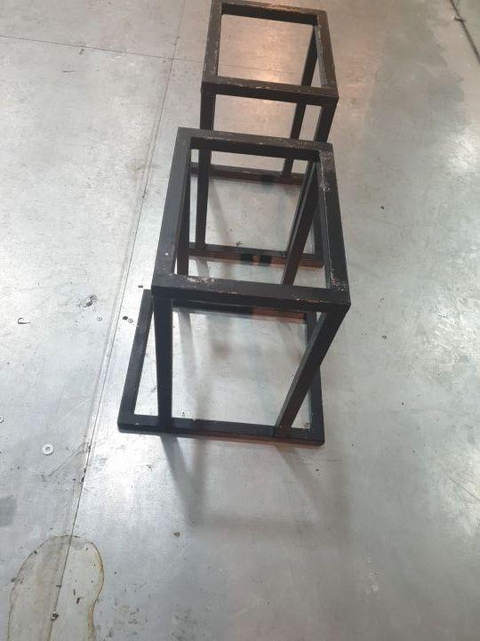 Dos caballetes-soportes para Capprax250/414