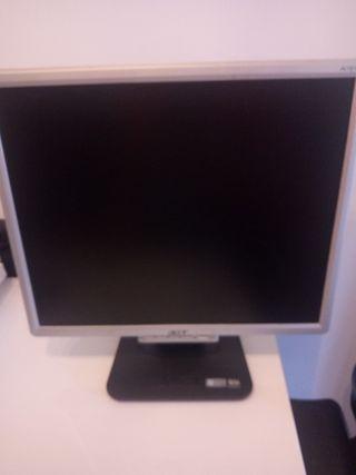 "2 pantallas de ordenador 19"""