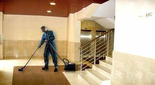 Limpieza de escaleras y comunidades
