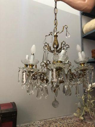 Lámpara antigua de bronce y cristal